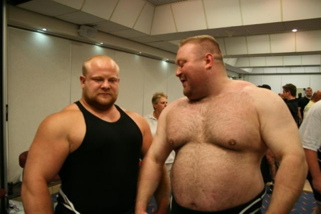 What does 300 pounds look like on a 6 foot man? - Bodybuilding com